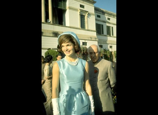 12 Unforgettable Style Lessons From Jackie Kennedy (PHOTOS