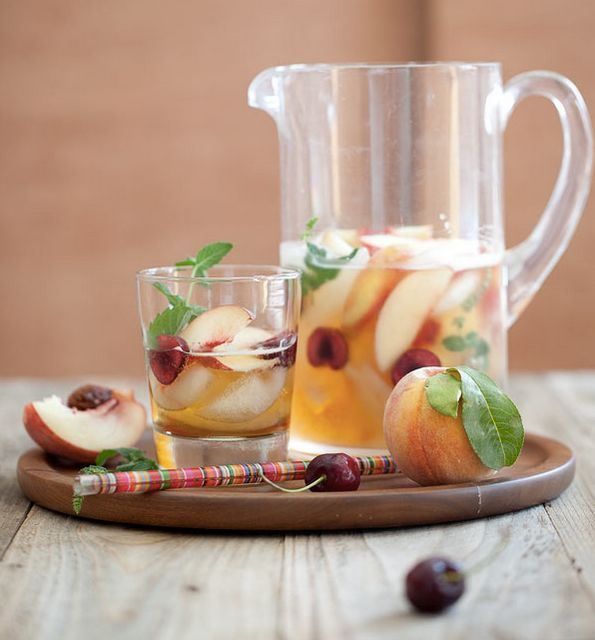 "<strong>Get the <a href=""http://www.foodiecrush.com/2012/08/hotel-inspired-white-peach-sangria-with-harry-david/"" target=""_bl"