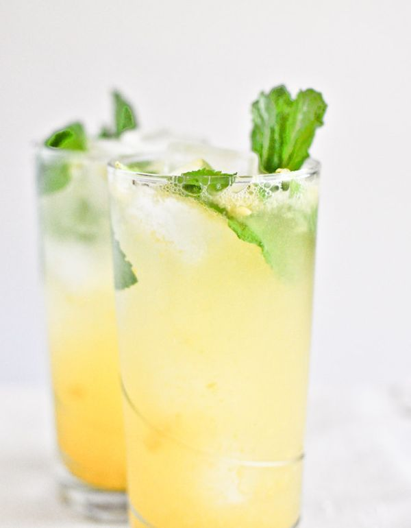"<strong>Get the <a href=""http://www.howsweeteats.com/2012/04/coconut-mango-mojitos/"" target=""_blank"">Coconut Mango Mojitos re"