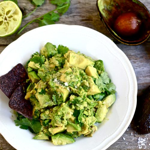 "<strong>Get the <a href=""http://www.theclevercarrot.com/2012/07/easy-guacamole/"" target=""_blank"">Sweet Vidalia Guacamole reci"