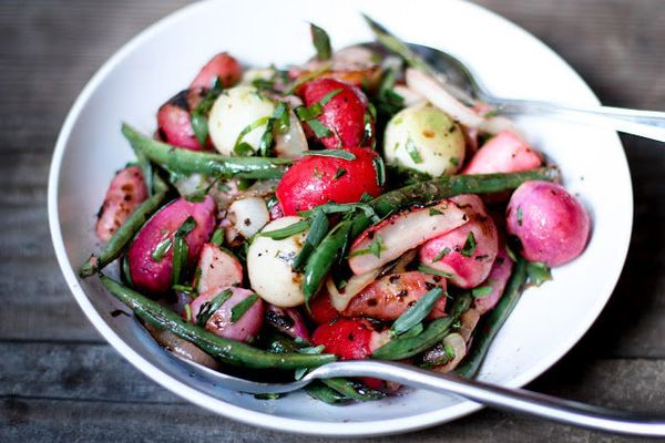 "<strong>Get the <a href=""http://www.feastingathome.com/2012/06/grilled-radishes-with-tarragon.html"" target=""_hplink"">Grilled"