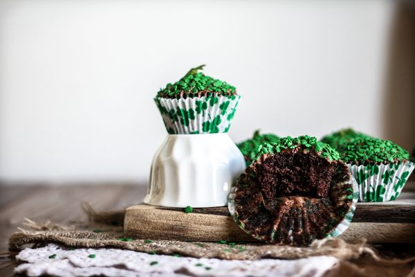 """<strong>Get the <a href=""""http://www.adventures-in-cooking.com/2013/03/chicory-coffee-chocolate-cupcakes-with.html"""" target=""""_b"""