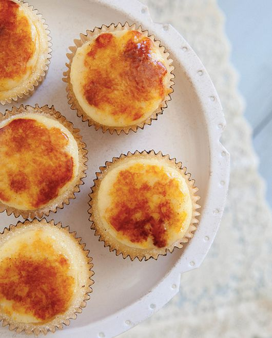 """<strong>Get the <a href=""""http://www.annies-eats.com/2013/11/11/creme-brulee-cupcakes/"""" target=""""_blank"""">Creme Brûlée Cupcakes"""