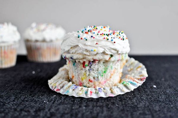 """<strong>Get the <a href=""""http://www.howsweeteats.com/2011/06/homemade-funfetti-cupcakes/"""" target=""""_blank"""">Homemade Funfetti C"""