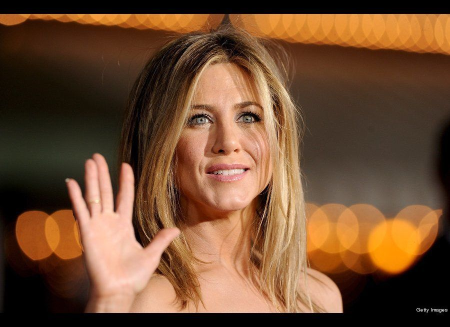 """When her marriage to <a href=""""http://www.people.com/people/article/0,,1042412,00.html"""" target=""""_hplink"""">Brad Pitt soured in 2"""