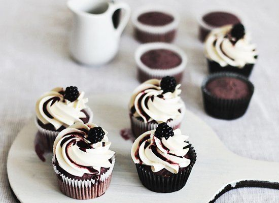Easy Cupcake Decorating Ideas A Baker S Hack Huffpost Life
