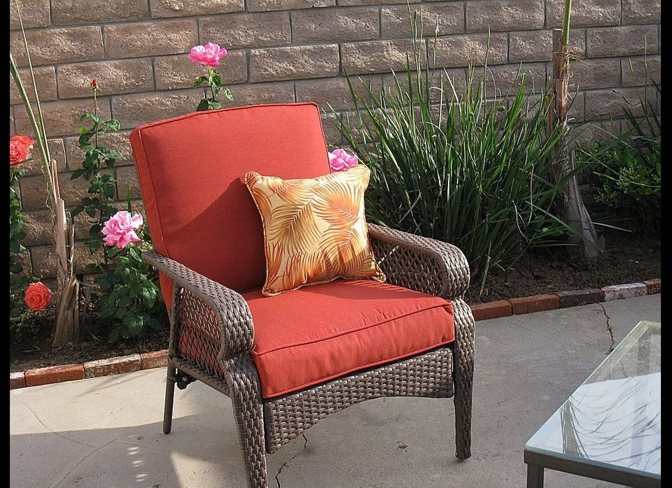 Wicker furniture is an inexpensive way to achieve a rustic design. If you have some older wicker or are purchasing from a sto