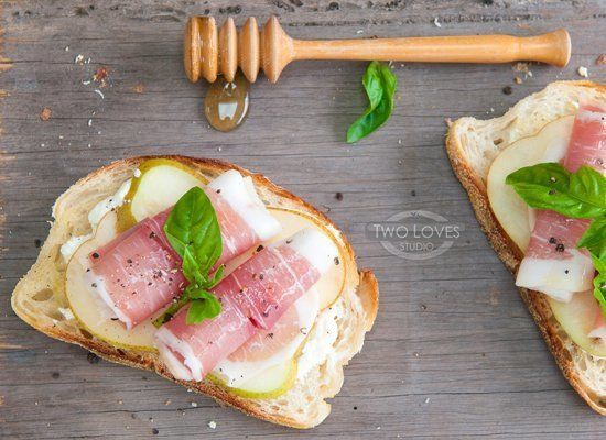 """<strong>Get the <a href=""""http://twolovesstudio.com/2012/08/19/pear-prosciutto-bruschetta-with-honeyed-ricotta/"""" target=""""_hpli"""