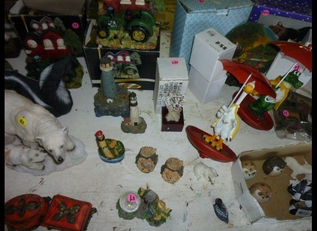 Just what we have always dreamed of: mismatched animal figurines! We sure hope the new owners have plenty of shelf space to a