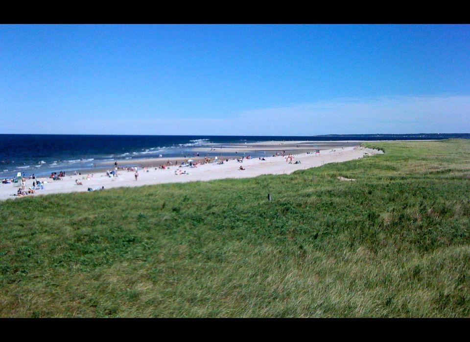 """<a href=""""http://www.thebestbeach.net/beaches-massachusetts-crane-beach-ipswich-ma/"""" target=""""_hplink"""">Crane Beach</a> is in Ip"""