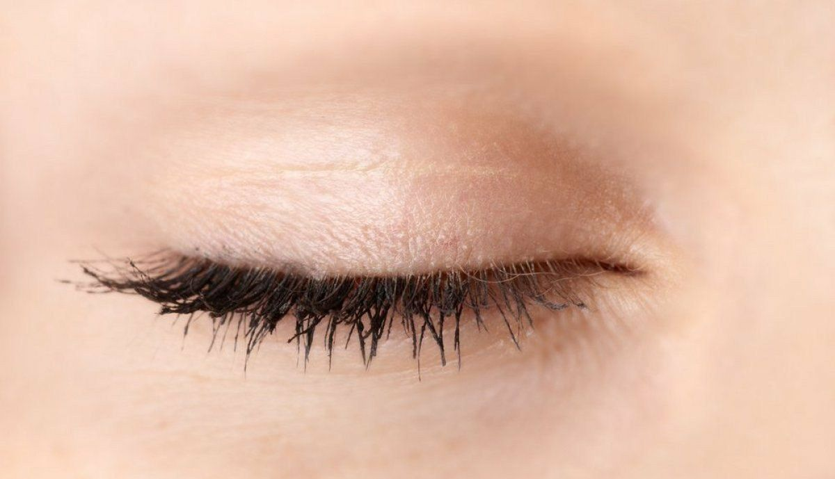 Eyelid twitching after pregnancy