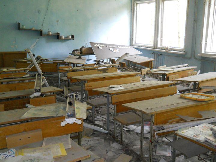 Description Classroom in School N3, Pripyat. レᄏᄚチチᄑᄚマ ᄎᄒᄐᄑᄚツᄚ ᄇ チタᄉᄡᄑᄉᄍ ネᄎᄒᄏᄉ №3, ᄈᄒタᄒᄡ ゚