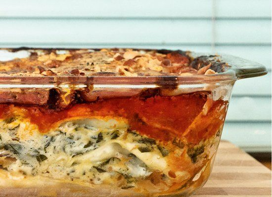 "<strong>Get the <a href=""http://shecooksshegardens.com/2011/08/yummy-pumpkin-lasagna/"" target=""_hplink"">Yummy Pumpkin Lasagna"