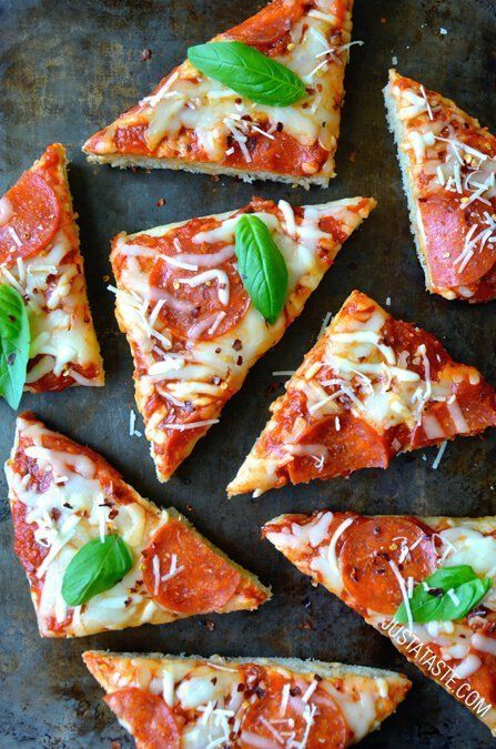 """<strong>Get the <a href=""""http://www.justataste.com/2014/08/homemade-focaccia-bread-pizza-recipe/"""" target=""""_blank"""">Homemade Fo"""