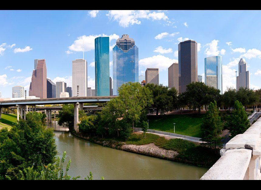 "<a href=""http://www.travelandleisure.com/articles/americas-dirtiest-cities/12"" target=""_hplink"">See the Rest of America's Dir"