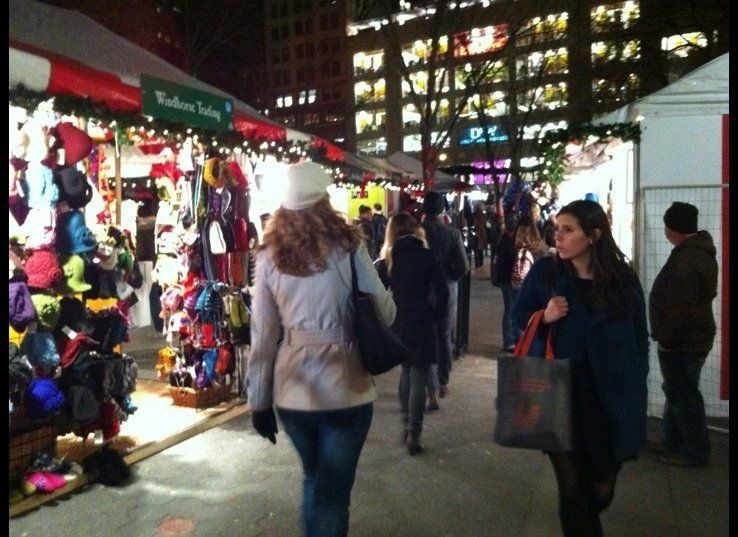 """Run by Urban Space, the <a href=""""http://urbanspacenyc.com/18th-annual-union-square-holiday-market/"""" target=""""_hplink"""">Union Sq"""