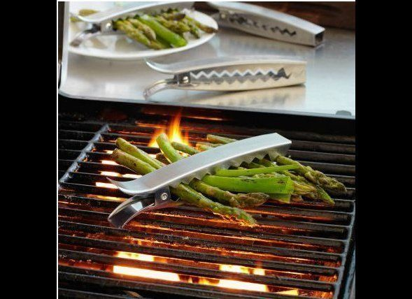 """These <a href=""""http://www.surlatable.com/product/PRO-876995/Sur-La-Table-Grill-Clips-"""" target=""""_hplink"""">Sur La Table Grill Cl"""