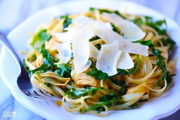 "<strong>Get the <a href=""http://www.gimmesomeoven.com/linguine-with-arugula-garlic-parmesan/"" target=""_blank"">Linguine with A"