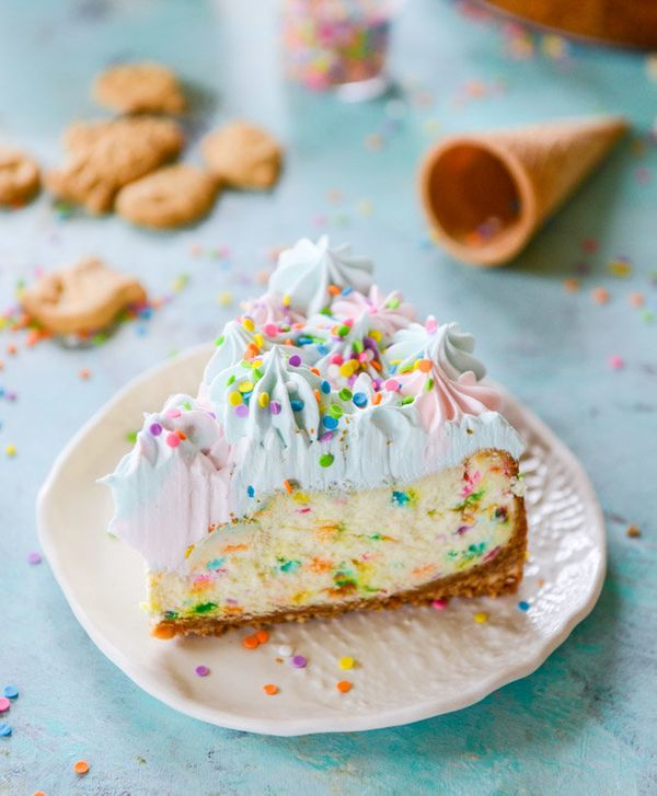 """<strong>Get the <a href=""""http://www.howsweeteats.com/2015/05/coney-island-cheesecake/"""" target=""""_blank"""">Coney Island Cheesecak"""