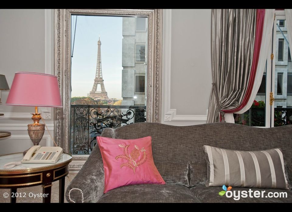 With a top-notch Dior Institute spa that features tons of couples treatments and gorgeous views of the Eiffel Tower from nume
