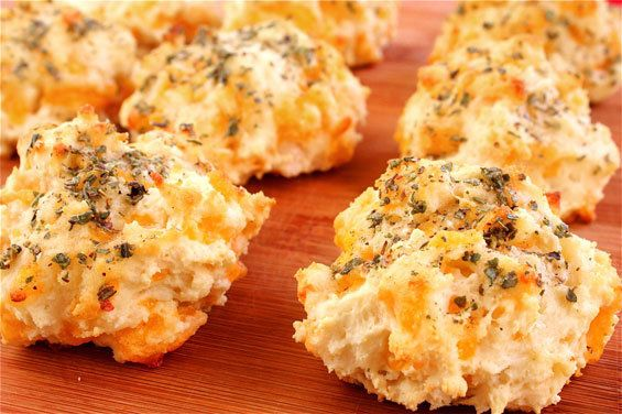 """<strong>Get the <a href=""""http://www.gimmesomeoven.com/garlic-cheddar-biscuits-a-la-red-lobster/"""" target=""""_blank"""">Garlic Chedd"""