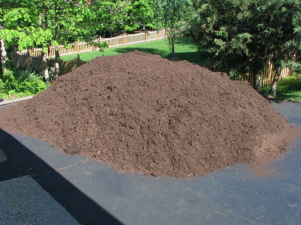 Adding some fresh mulch to your garden will help prepare and protect plants against the colder months ahead. Choose the right