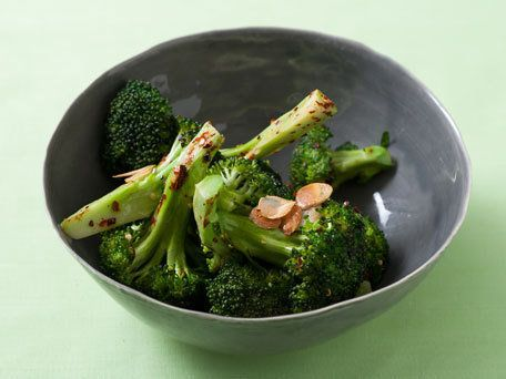 """<strong>Get the <a href=""""http://www.huffingtonpost.com/2011/10/27/sizzled-garlic-broccoli_n_1057116.html"""">Sizzled Garlic Broc"""