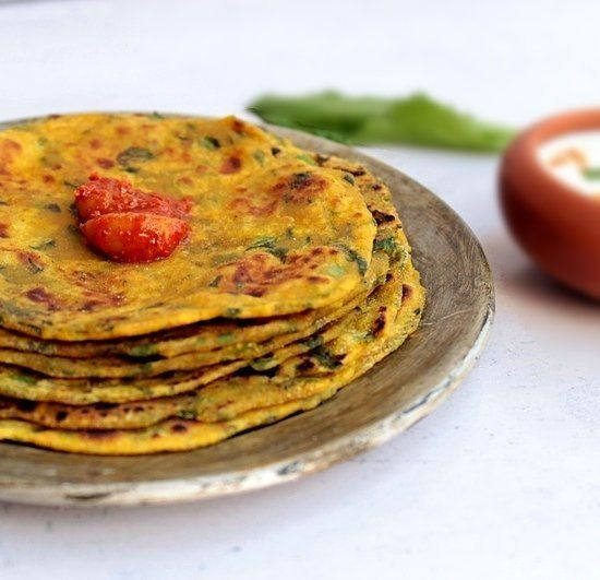 """<strong>Get the <a href=""""http://litebite.in/theplas-healthy-indian-flat-bread-recipes/"""">Spinach & Radish Thepla</a> recipe fr"""