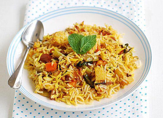 "<strong>Get the <a href=""http://www.rakskitchen.net/2012/07/vegetable-dum-biryani-recipe-dum-biryani.html"">Vegetable Biryani<"