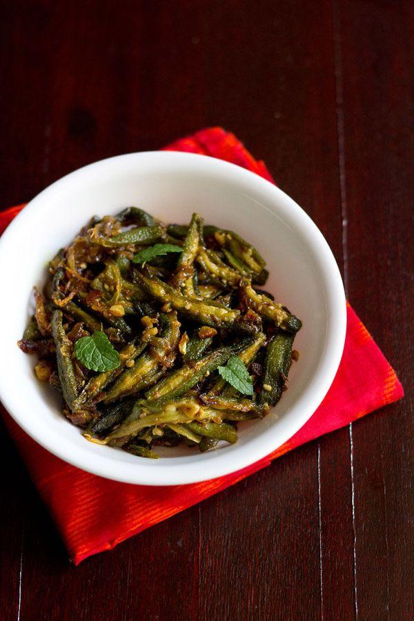 "<strong>Get the <a href=""http://www.vegrecipesofindia.com/lahsuni-bhindi-or-garlic-bhindi/"" target=""_blank"">lahsuni bhindi</a"