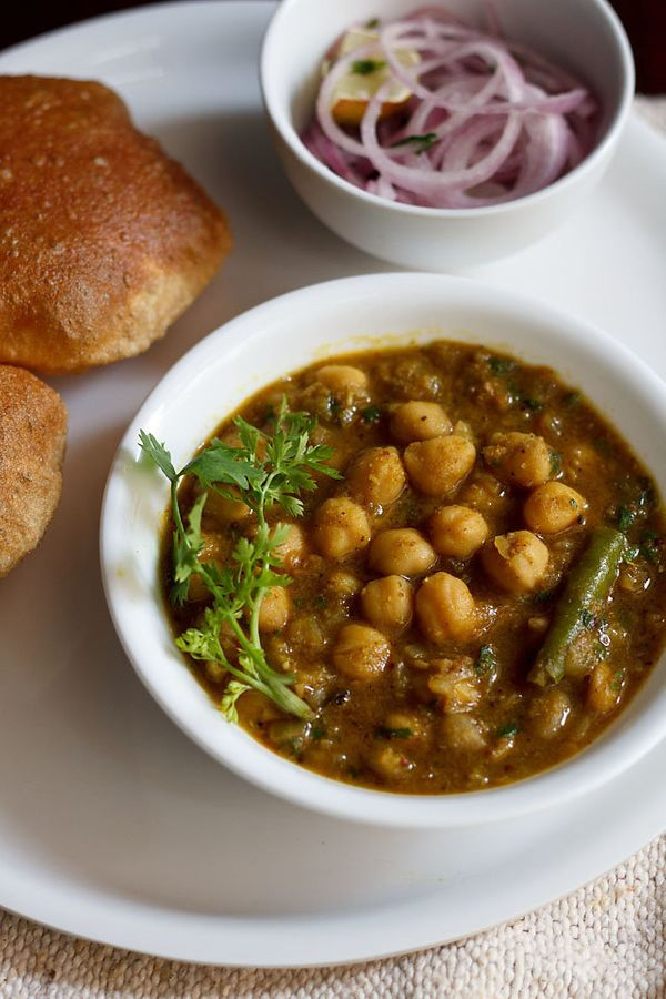 "<strong>Get the <a href=""http://www.vegrecipesofindia.com/chana-masala-with-coconut/"" target=""_blank"">Chana Masala</a> recipe"