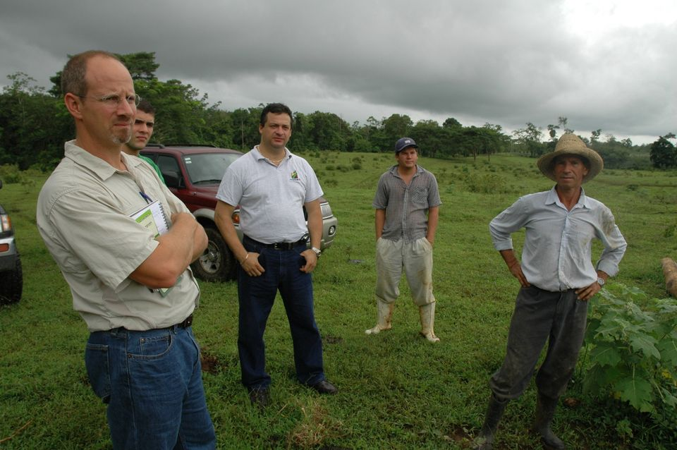 The Root Capital team visited a farmer belonging to the COOCAFE cooperative in Costa Rica.