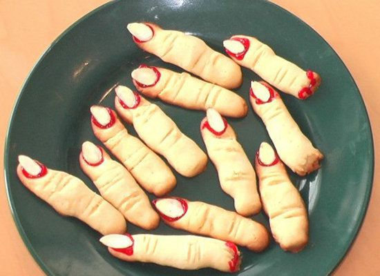 """<strong>Get the <a href=""""http://www.shockinglydelicious.com/witches-digits-disgusting-but-delicious-halloween-cookies-to-gros"""