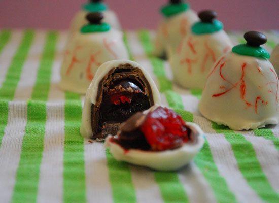"<strong>Get the <a href=""http://thedomesticrebel.com/2012/10/04/eyeball-truffles-halloween-week/"">Eyeball Truffles recipe</a>"