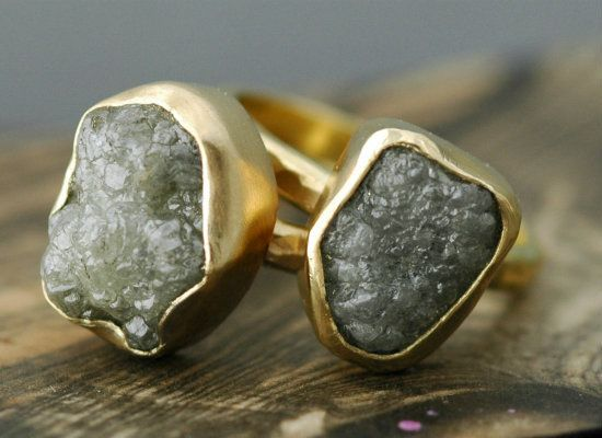"Etsy vendor <a href=""http://www.Specimental.etsy.com"">Specimental Designs</a> uses 18K yellow gold and rough diamonds to craf"