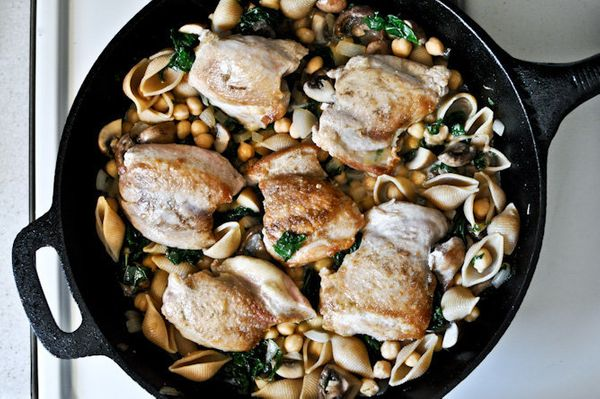 "<strong>Get the <a href=""http://www.howsweeteats.com/2012/05/chicken-kale-chickpea-skillet/"" target=""_blank"">Chicken, Kale +"