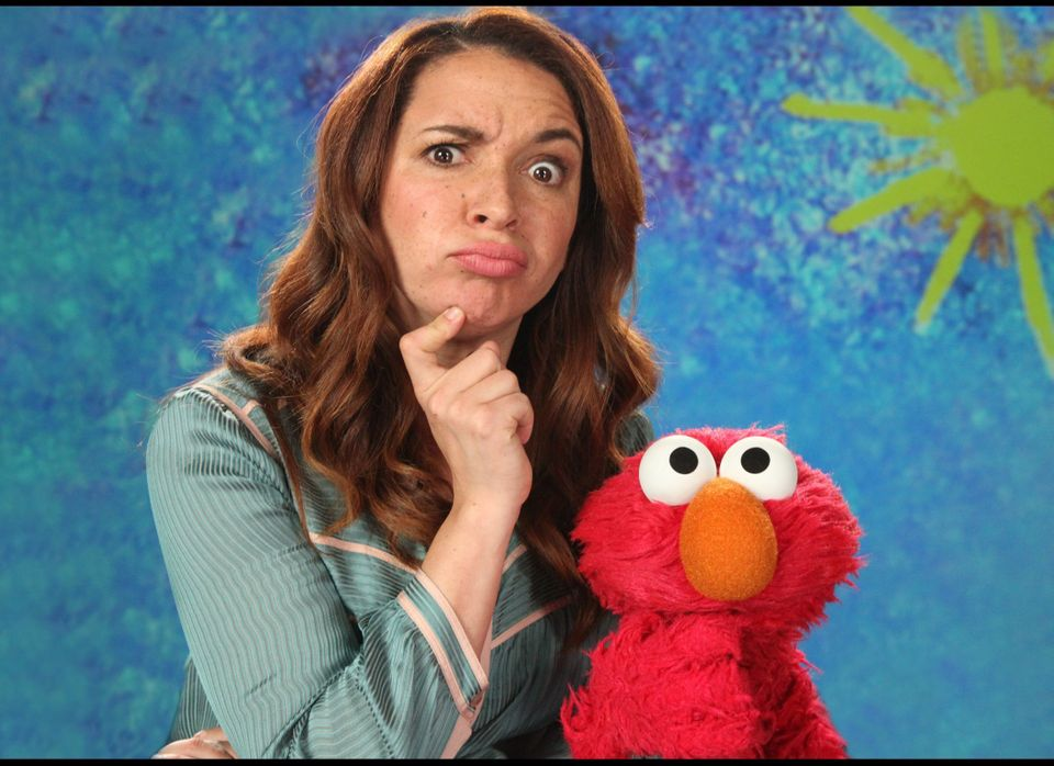 """Up All Night's"" Maya Rudolph and Elmo explain the word ""brainstorming"" as part ""Sesame Street's"" 43rd season."