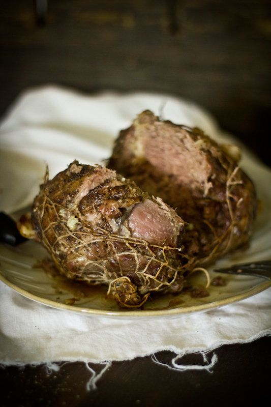 "<strong>Get the <a href=""http://www.adventures-in-cooking.com/2012/04/roast-leg-of-lamb.html"" target=""_blank"">Roast Leg of La"