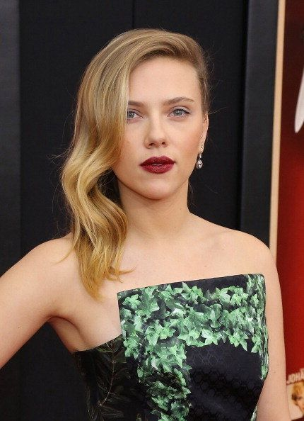 "BEST: We love that Scarlett Johansson went for an edgy look at the ""<a href=""http://www.huffingtonpost.com/2012/11/08/scarlet"
