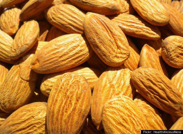 Saturated Fat: 7 percent* Monounsaturated Fat: 65 percent Polyunsaturated Fat: 28 percent  With a high ratio of monounsaturat