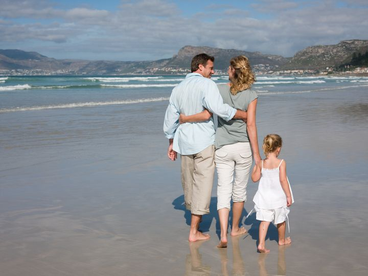 Family walking by the sea - IE397-087