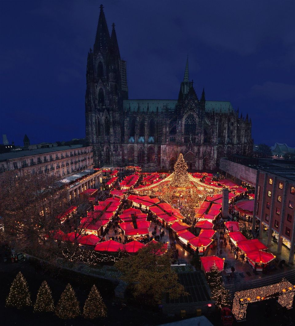 The traditional German <em>Weihnachtsmärkt</em> (Christmas markets) attract visitors from around the world and date back to t