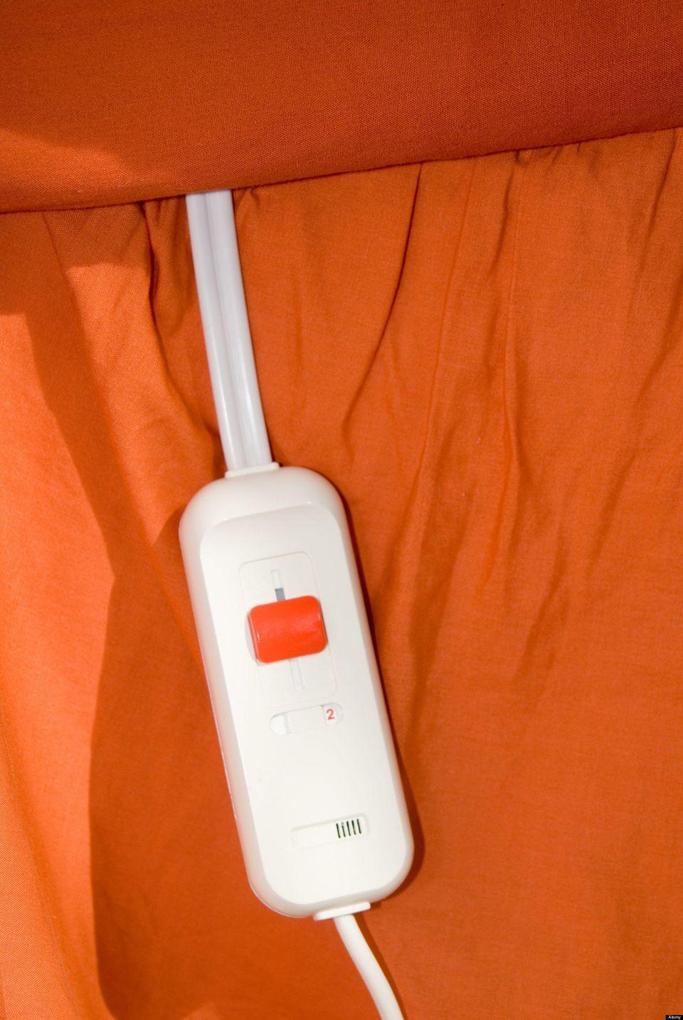 """An electric blanket - summed up relationship nicely #TookTheHint"" <em>-@dottytee</em>"