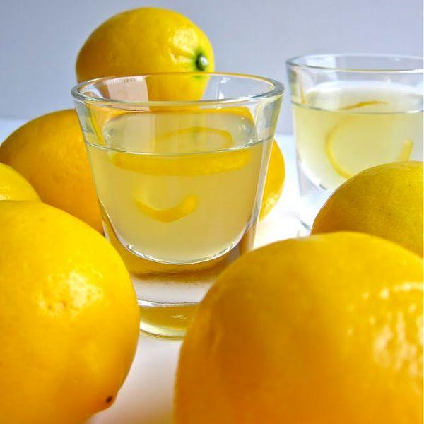 "<strong>Get the <a href=""http://arcticgardenstudio.blogspot.com/2011/05/meyer-lemon-liquor.html"" target=""_blank"">Meyer Lemon"