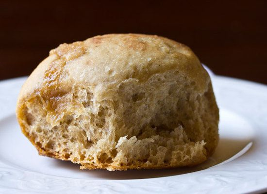 "<strong>Get the <a href=""http://www.aspicyperspective.com/2012/11/yeast-rolls-recipe-crockpot-bread.html"">Apple Butter Yeast"
