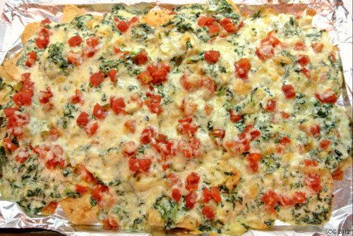 "<strong>Get the <a href=""http://thesmartcookiecook.com/2012/05/17/spinach-artichoke-nachos/"">Spinach Artichoke Nachos recipe"