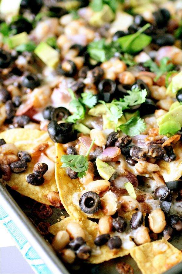 "<strong>Get the <a href=""http://www.thecurvycarrot.com/2012/05/02/yellow-eyed-bean-nachos/"">Yellow-Eyed Bean Nachos recipe fr"