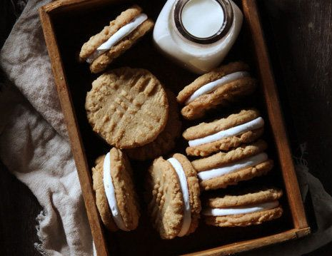 "<strong>Get the <a href=""http://www.bakersroyale.com/cookies/peanut-butter-marshmallow-sandwich-cookies/"" target=""_blank"">Pea"