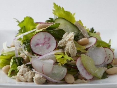"<strong>Get the <a href=""http://www.huffingtonpost.com/2011/10/27/white-bean-and-tuna-salad_n_1057082.html"">White Bean and Tu"