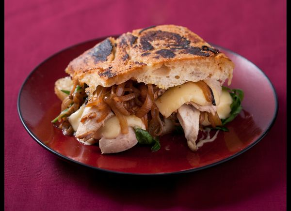 """<strong>Get the<a href=""""http://www.huffingtonpost.com/2011/10/27/caramelized-onion-chicke_n_1057252.html"""" target=""""_hplink""""> C"""